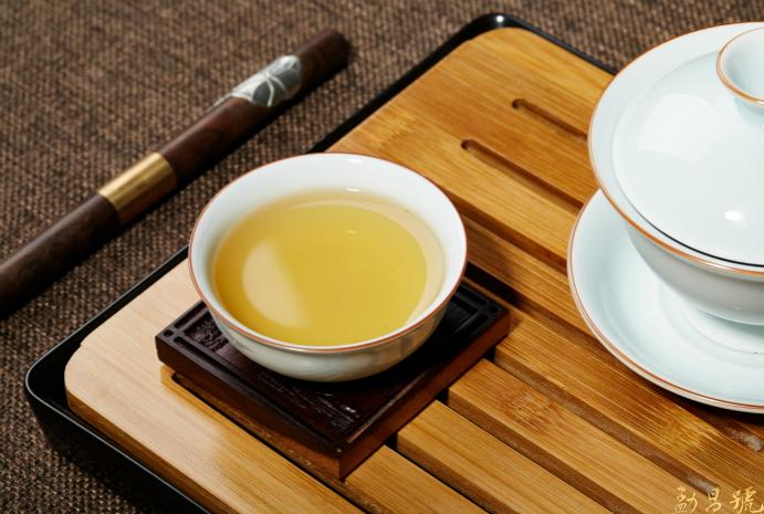 普洱茶的春夏秋冬,你知道不同季节该怎么喝普洱茶吗?